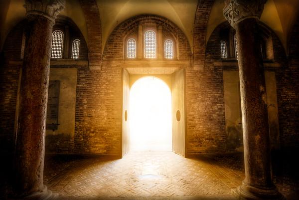 Portale del santo sepolcro - Bologna